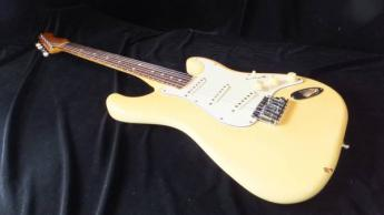 STANDARD STRATOCASTER 【エレキギター】