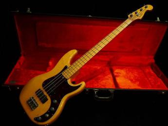AMERICAN DELUXE P-BASS