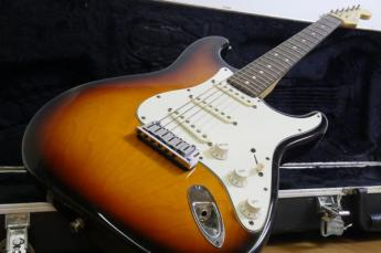 Fender USA / フェンダー エレキギター StratoCaster