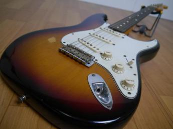 FenderフェンダーUSA エレキギター American Vintage Stratcaster